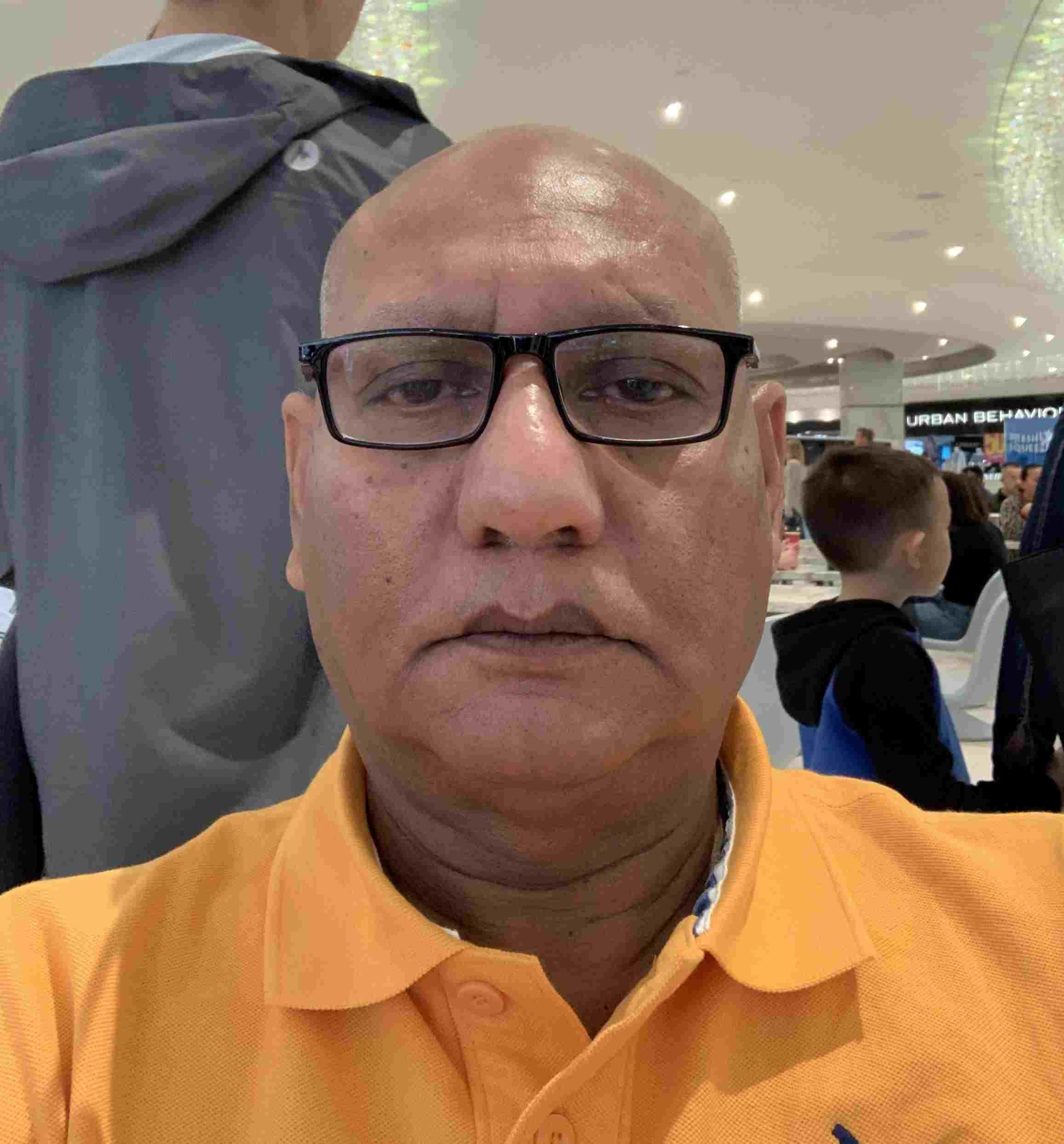 Soy Génesis Barron o mictam_020, tengo 58 años, soy de Extremadura, ciudad Trujillo